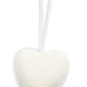 Petit cœur blanc en laine feutrée à suspendre