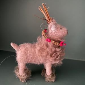 Petit renne en laine feutrée - Côté Table - H 16/10cm
