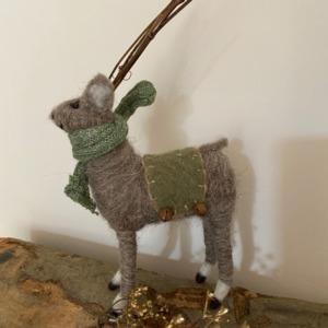 Petit renne en laine feutrée - Côté Table - H 24/12cm