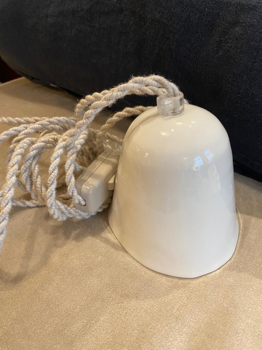 Baladeuse en porcelaine - Myriam Ait Amar - intérieur impression pois - fil torsadé lin - petit modèle