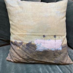 Coussin garni en lin - Maison Lévy - avec impression « deux palmiers » 50x50