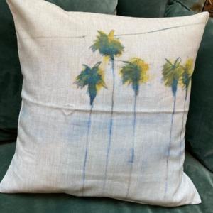 Coussin garni en lin - Maison Lévy - avec impression « palmiers » 50x50