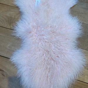 Peau de mouton tibétain véritable - Fibre By Auskin - Coloris powder rose 80x55