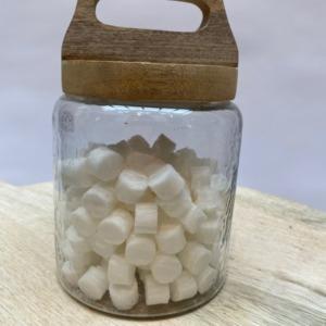 Bocal en verre et bois de manguier - Nkuku - Petit modèle Diamètre 12cm, Hauteur avec le couvercle 20cm