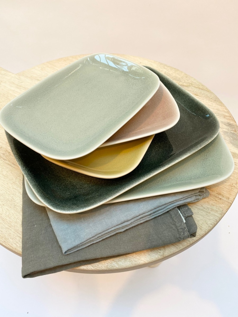 Assiette rectangulaire en grès, Jars céramistes, 14/20cm, H: 2cm, service Maguelone
