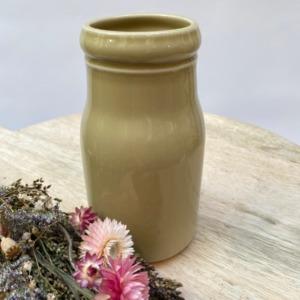 Flacon en grès, Jars céramistes, Vert argile, Diamètre 8,5cm, H: 15cm, Service Cantine