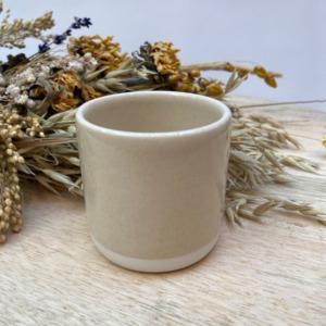 Gobelet en grès Jars céramistes, Coloris : Beige corde, Contenance 13 cl, Diamètre 6,5cm. H: 6cm , Service Cantine