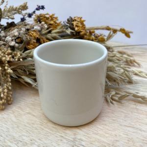 Gobelet en grès Jars céramistes, Coloris : Craie, Contenance 13 cl, Diamètre 6,5cm. H: 6cm , Service Cantine