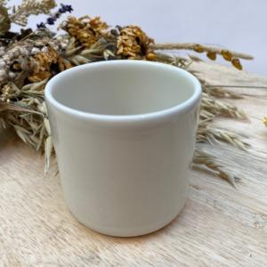 Gobelet en grès Jars céramistes, Coloris : Craie, Contenance 20 cl, Diamètre 7,5cm. H: 7cm , Service Cantine
