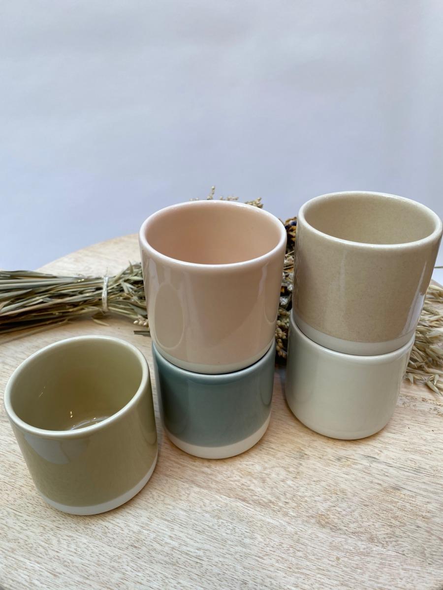 Gobelet en grès Jars céramistes, Contenance 20 cl, Diamètre 7,5cm. H 7cm , Service Cantine