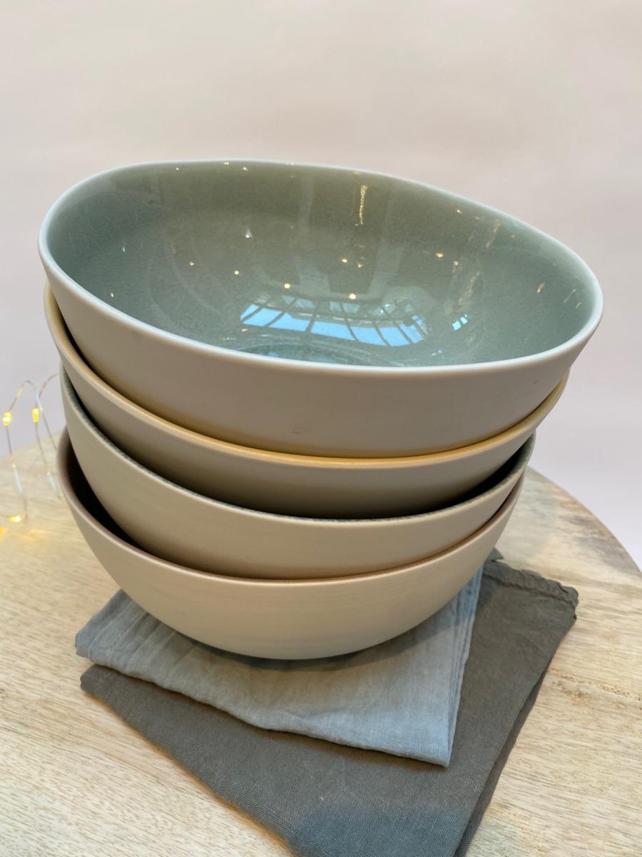Saladier en grès, Jars céramistes, Diamètre 22,5cm, H 9,5cm, service Maguelone