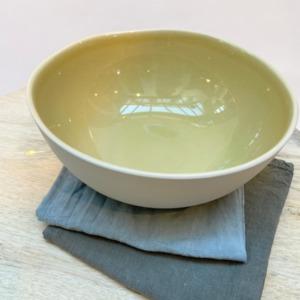 Saladier en grès, Jars céramistes, Genêt, Diamètre 22,5cm, H: 9,5cm, service Maguelone